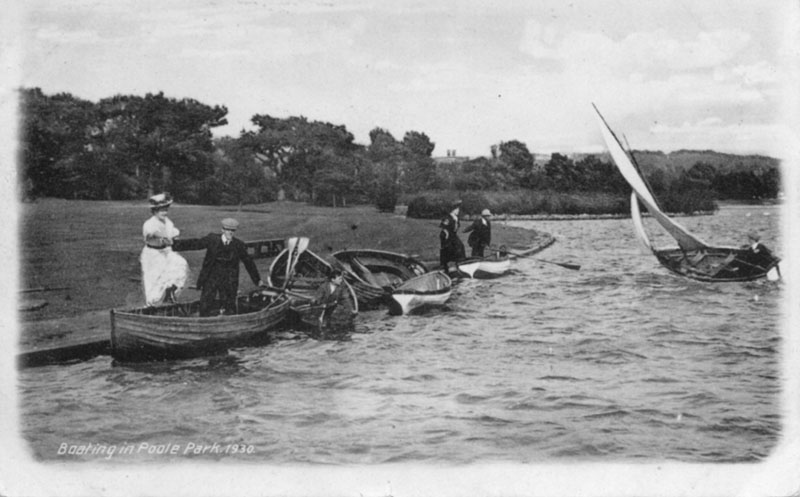 Boating In Poole Park 1930.jpg