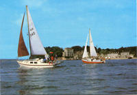 Yachts in front of Brownsea Castle.jpg
